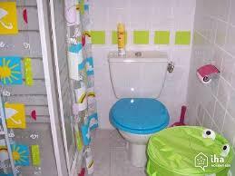 Une salle de bains pour la joie des enfants