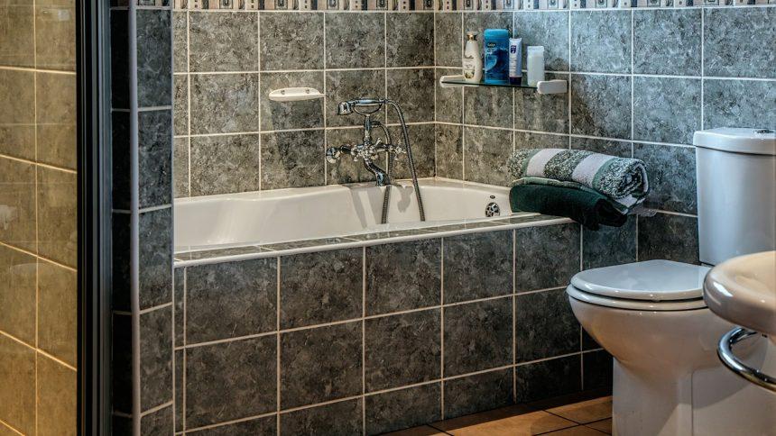 Un professionnel pour vous aider à rénover votre salle de bain
