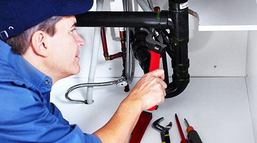 Quels sont les avantages d'embaucher un plombier ?